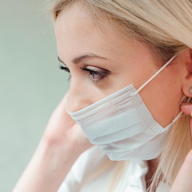 """マスクを""""付けても""""安心!化粧崩れを防ぐ、おすすめ「化粧下地」6選"""