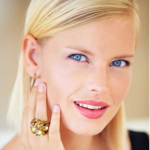 exquisite-elegance-picture-id180836346