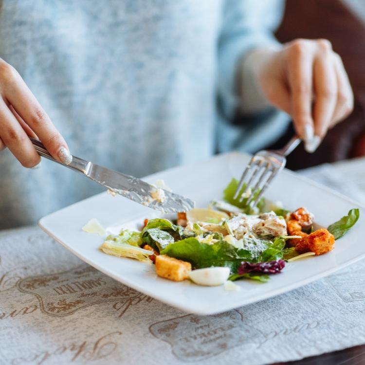 """ダイエットするなら""""食べ方""""を変えるべき!痩せやすい体になる食べ方とは?"""
