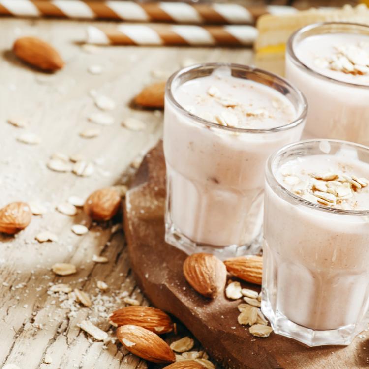 """くすみの原因の""""糖化""""を防ぐ「アーモンドミルク」。気になる味は…?"""