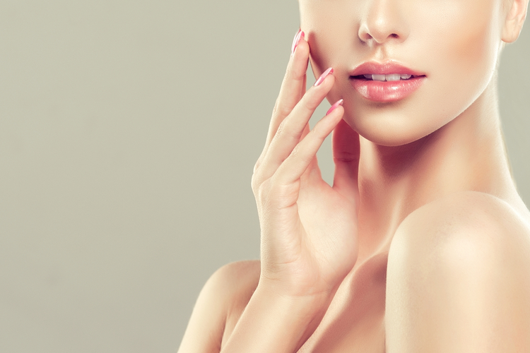 くすみ改善で透明感のある美肌に