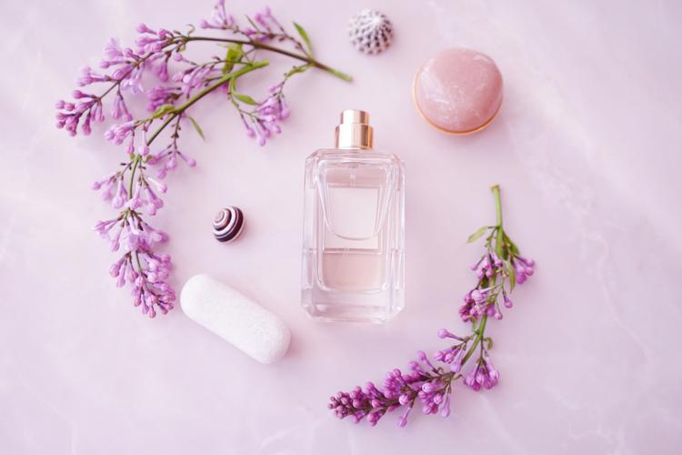 清潔感のある香りを纏う