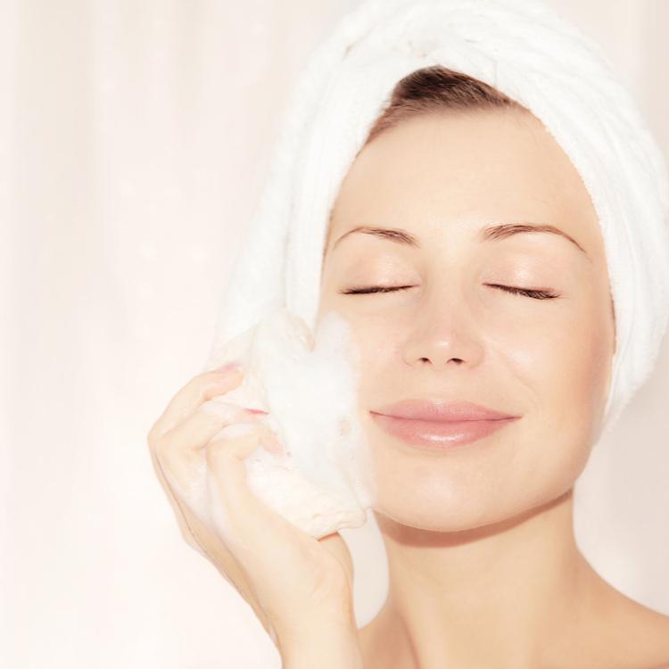 美肌のための洗顔は「泡」が決め手!濃密なモコモコ泡の作り方