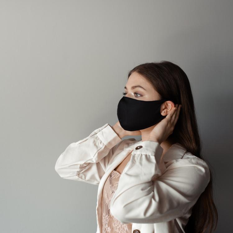 マスクによる肌荒れはどう対処する?おすすめのケアアイテムもご紹介!
