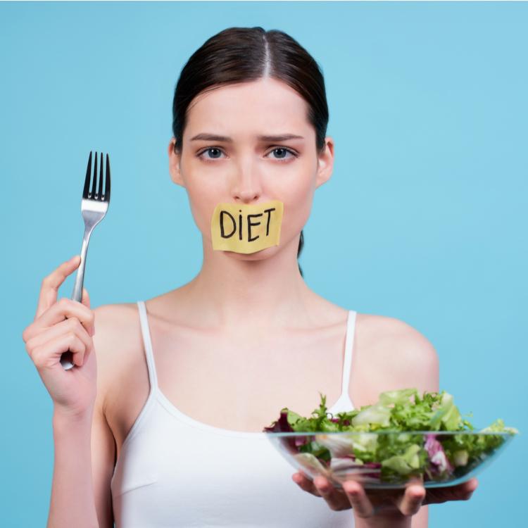 パーソナルトレーナーが「食べないダイエット」をお勧めしない3つの理由