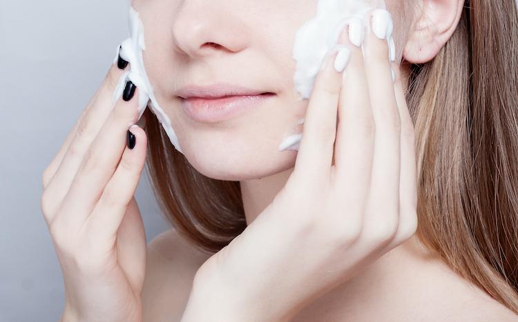 洗顔で摩擦をゼロにする方法