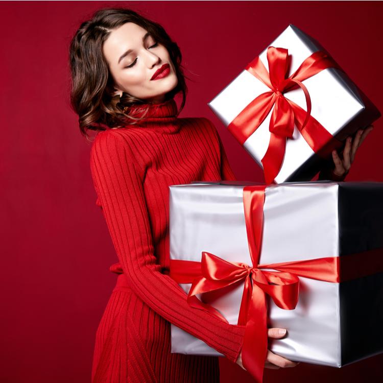 クリスマスはいつも以上の自分に!ディナーの時にとり入れたい華やか顔メイク