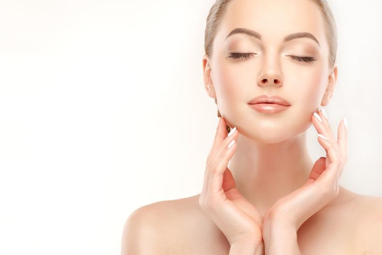 お肌の乾燥が気になる季節に取り入れたい保湿効果