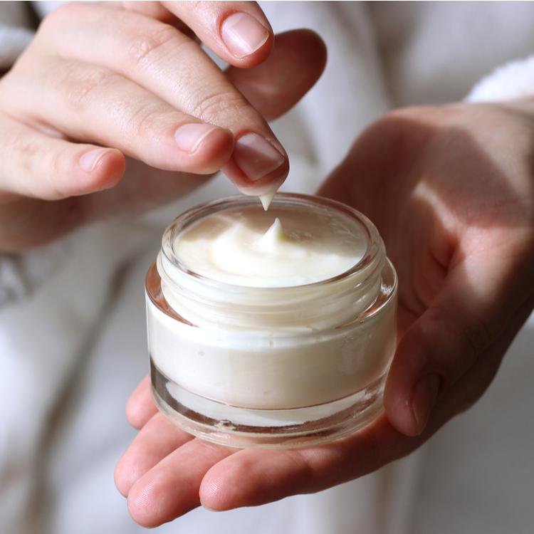 肌の乾燥に効くクリームの選び方!うるおい不足を完全防御!