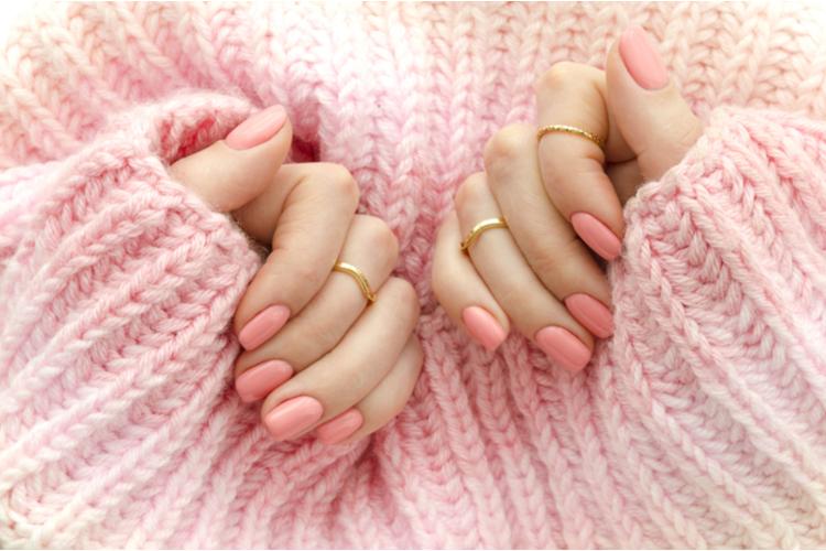 手の乾燥はネイルにも影響する