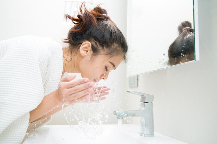 洗顔の最も大切なポイントは「摩擦を起こさないこと」