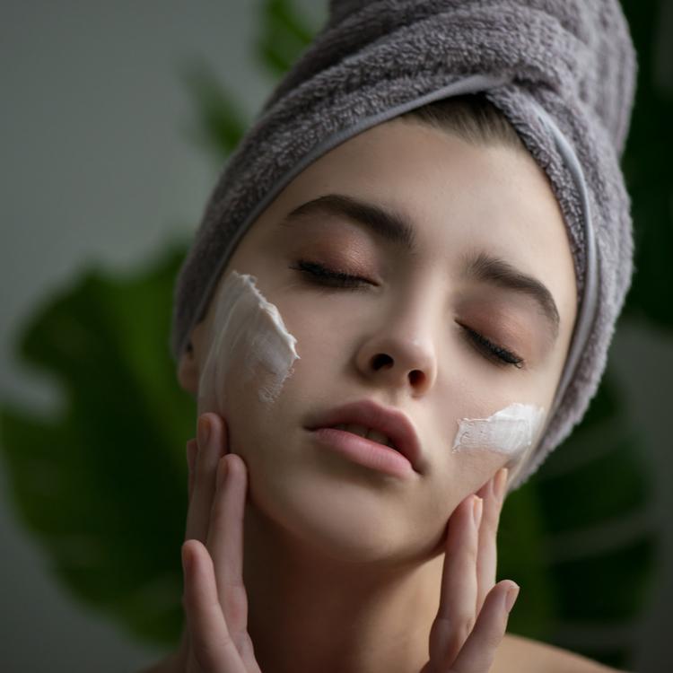 美容大国・韓国で大人気!今話題の「シカクリーム」で健康的な肌を手に入れよう!