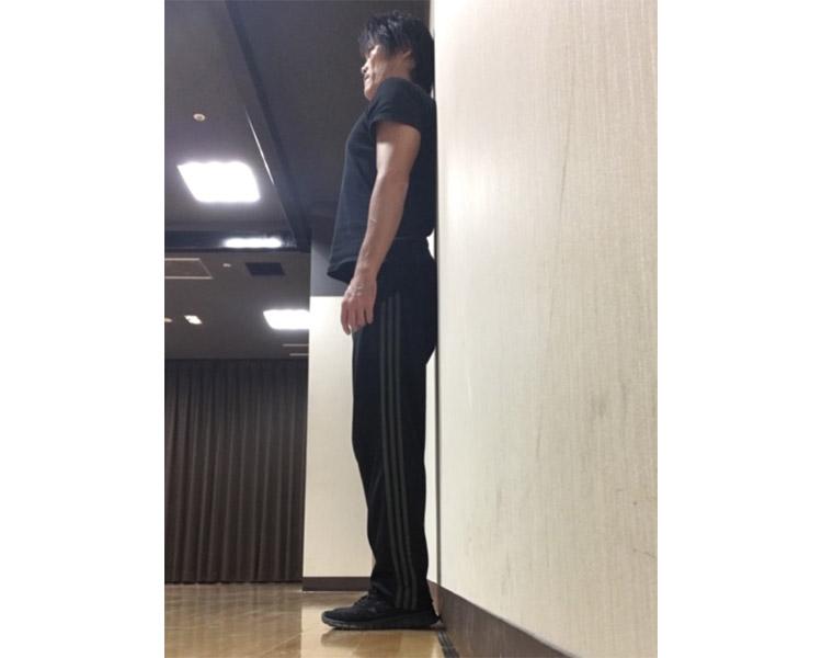 壁を使った簡単姿勢チェック法