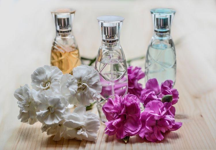香水のサブスク
