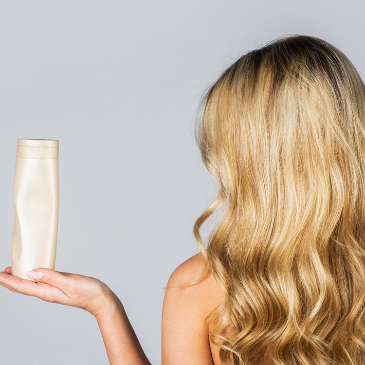 日本人は髪を洗い過ぎている!?「毎日シャンプーしない」という美髪の新常識とは