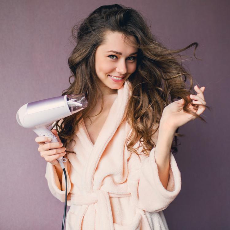 ツヤ髪が欲しいならコレを見よ!髪の毛の乾かし方がツヤの鍵