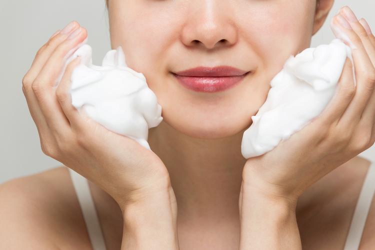 洗顔は優しくシンプルが基本