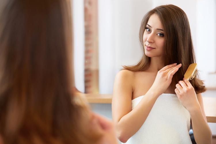 頭皮や髪のベタつきはどう解消する?